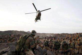 Un hélicoptère rejoignant les troupes françaises dans l'Adrar des Ifoghas, zone montagneuse proches des frontières du Mali avec l'Algérie. (photo : Kenzo Tribouillard/Agence France-Presse/Getty Images)