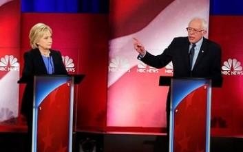 Hillary Clinton et Bernie Sanders lors d'un débat démocrate organisé au Gaillard Center, le 17 Janvier 2016